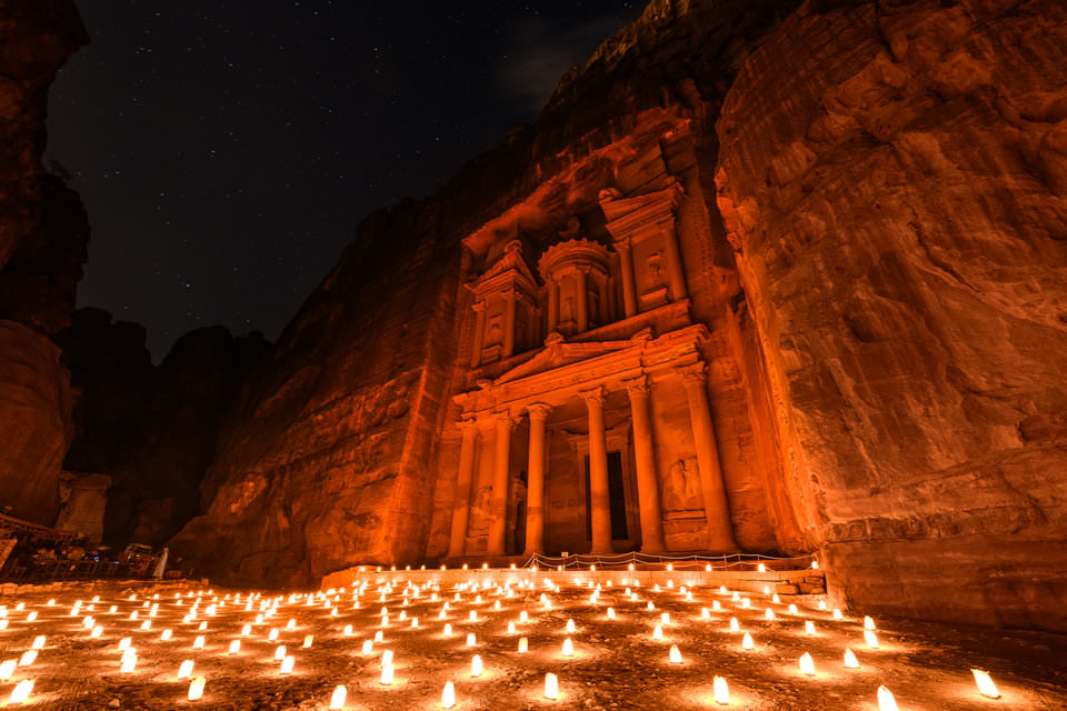 https://cobraholidays.com/wp-content/uploads/2018/05/Jordan-Petra-by-night.jpg